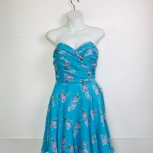 🦋BETSEY JOHNSON Floral FIT N FLARE DRESS
